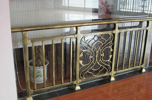 古铜阳台栏杆