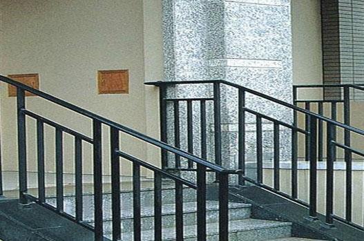 楼梯口扶手