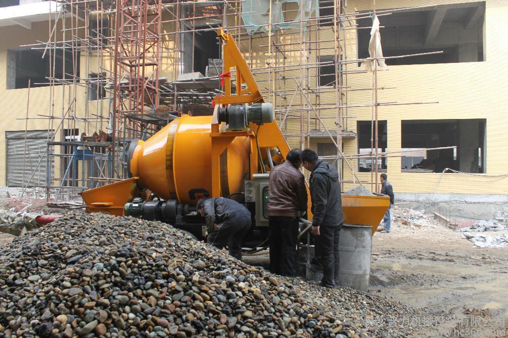 浅析小型混凝土泵的配管及场地要求
