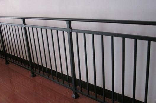 顺义锌钢阳台护栏为何不生锈