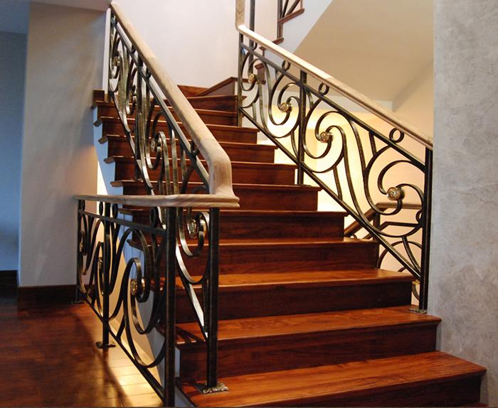 锌钢楼梯扶手在安装时的注意