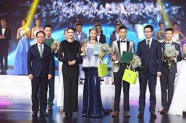 夏杨女士担任首届中国国际造型师电视大赛总评判长