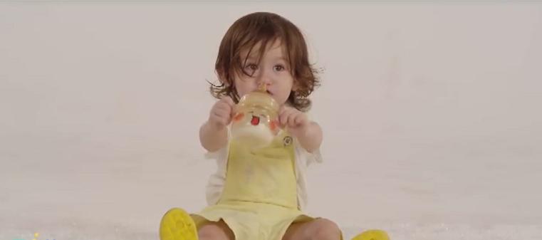 宝宝戒奶不吸奶瓶怎么办