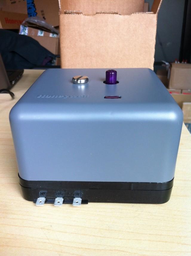 RA890F/G基本型燃烧安全控制器