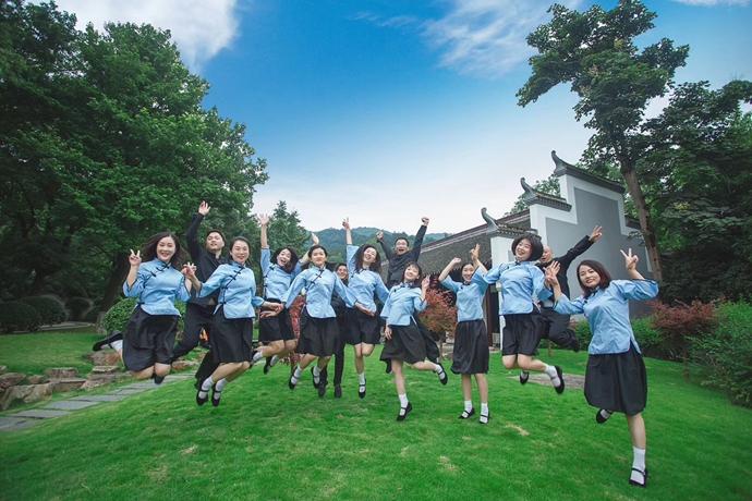 夏杨时尚拍摄服务-湖南大学硕士毕业拍摄