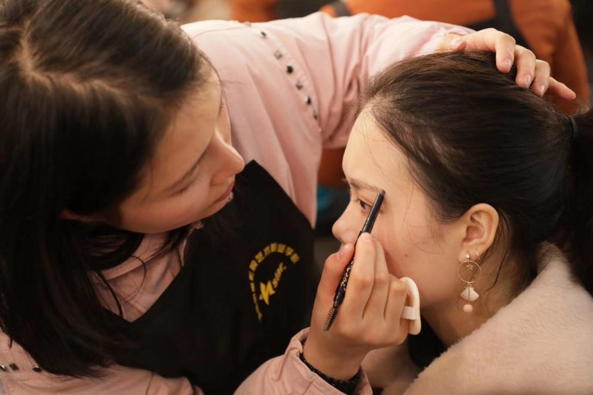 湘潭化妆培训学校_日常妆容如何快速掌握?