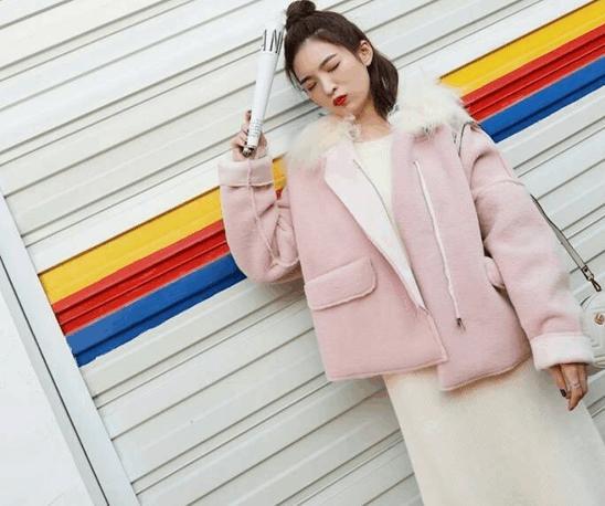 长沙化妆培训学校:深秋女生如何穿衣打扮?
