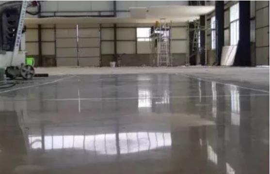 如何维护高流量的抛光混凝土地坪?如何防止抛光混凝土失去其美丽的光泽!