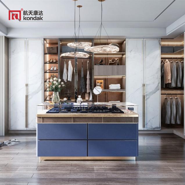 现代高雅型衣柜 简约明朗的线条 高端大气
