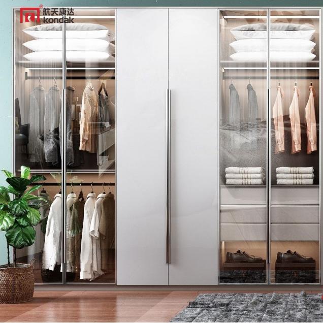 现代简约 轻奢型衣柜  享受生活的极致 YG005